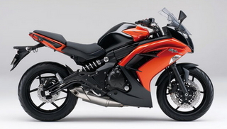 2014-Kawasaki-Ninja-400-right-side.jpg